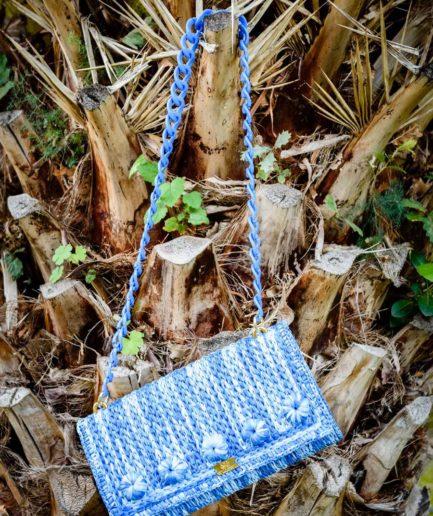clutch-rafia-azzurro